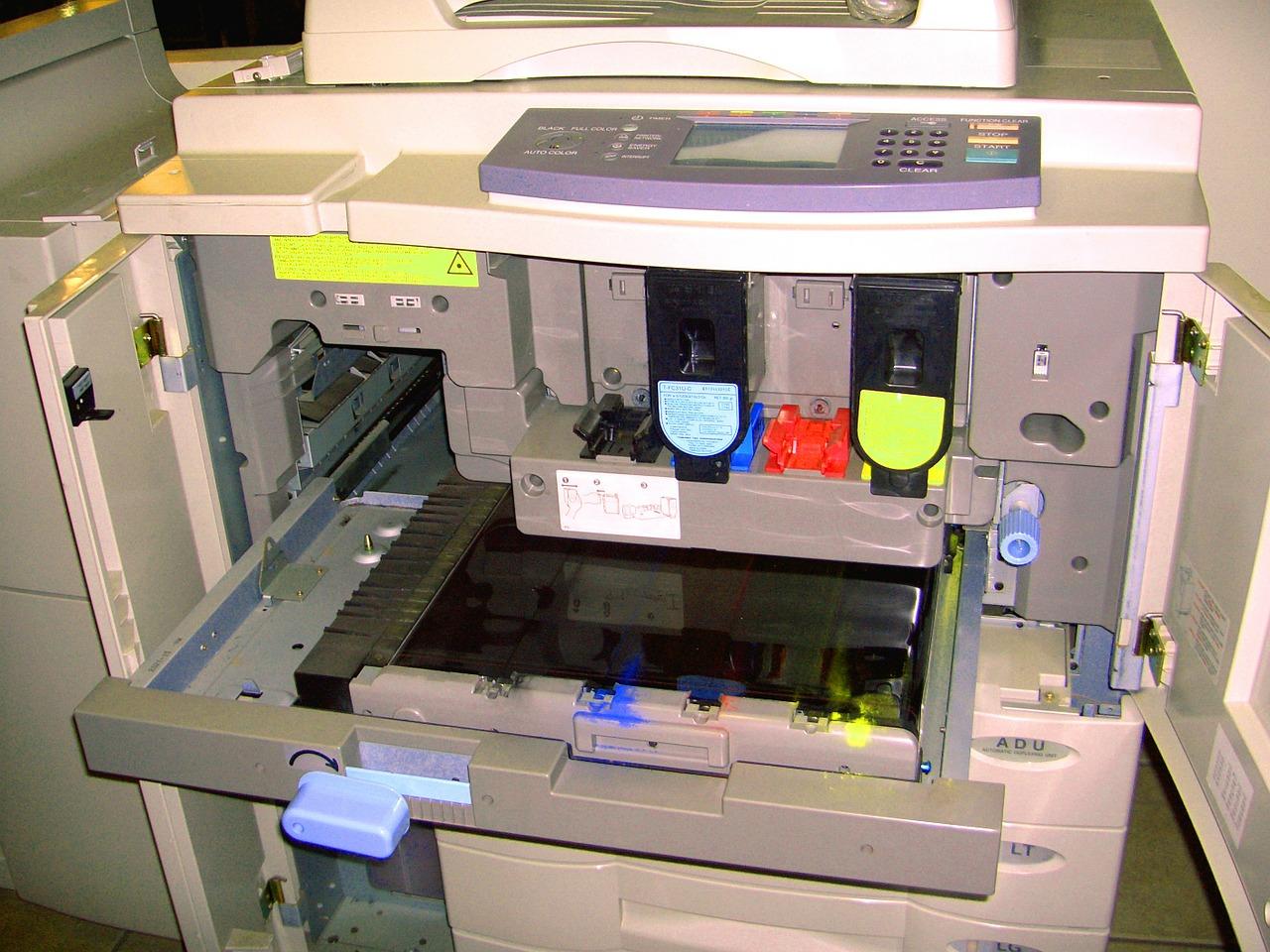najem fotokopirnega stroja